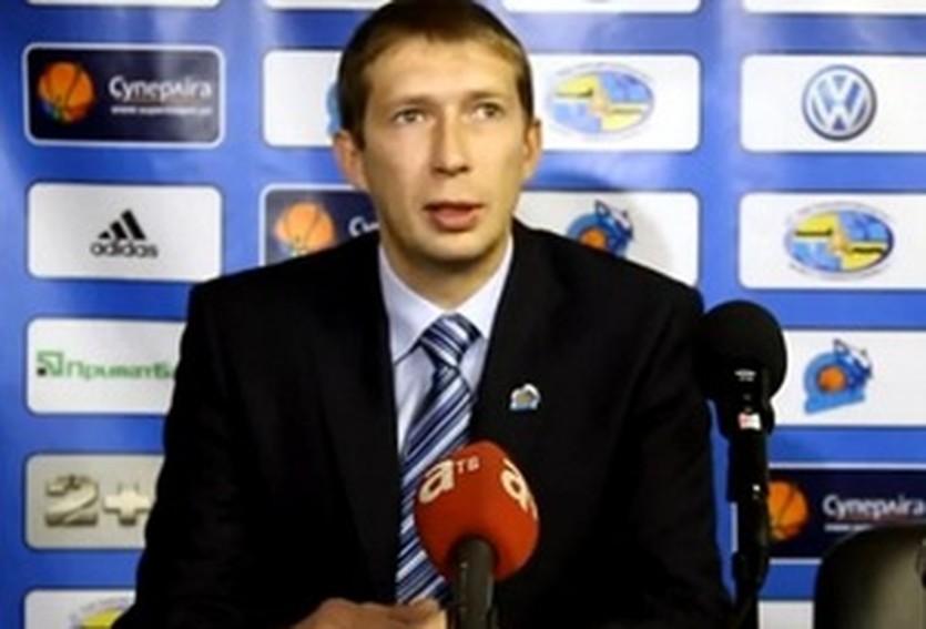 Олег Юшкин, кадр из видео пресс-конференции