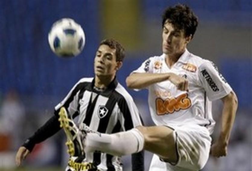 Родриго Поссебон (справа), AP