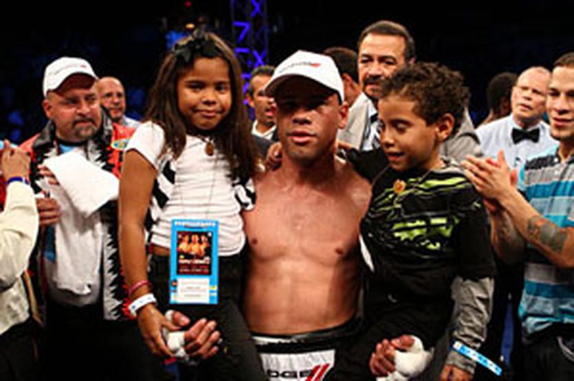 Хуан Мануэль Лопес, fightnews.com
