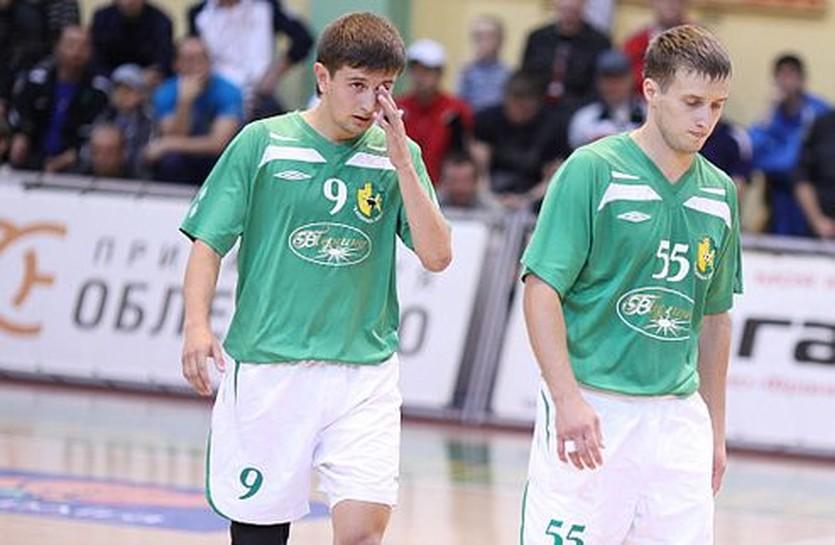 Юрий Когут (слева) тоже отметился голом, uragan.if.ua