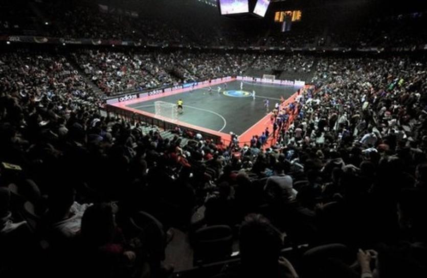 Против такой поддержки нам предстоит играть, фото uefa.com