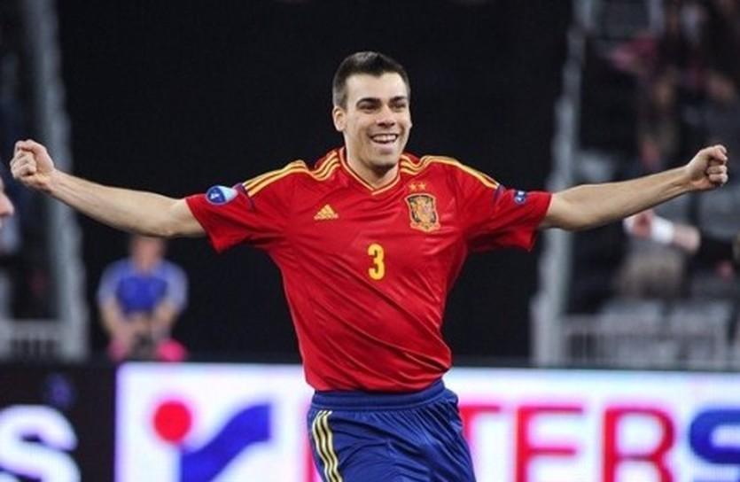Айкардо выводит Испанию в финал, uefa.com