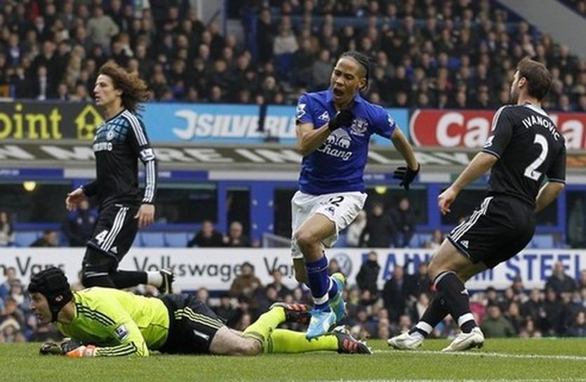 Пиеннар забивает Челси, Getty Images