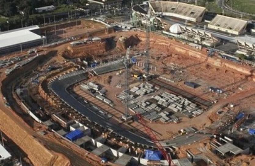"""""""Стадион"""" в Манаусе, вызвавший недовольство Вальке, Reuters"""