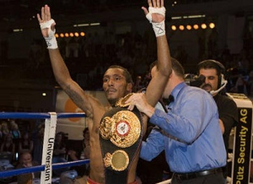 Ансельмо Морено, boxing.de