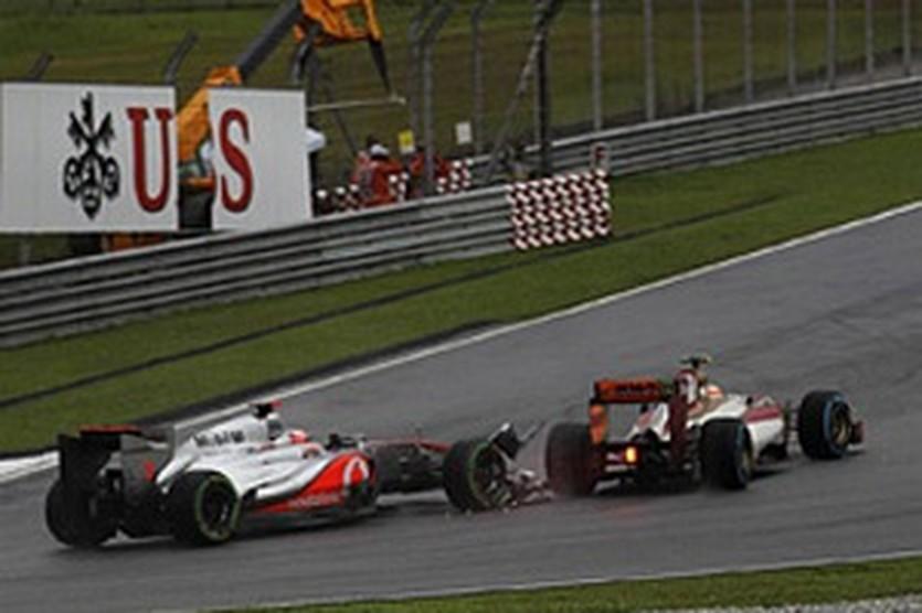 Инцидент с участием Баттона и Картикеяна, autosport.com