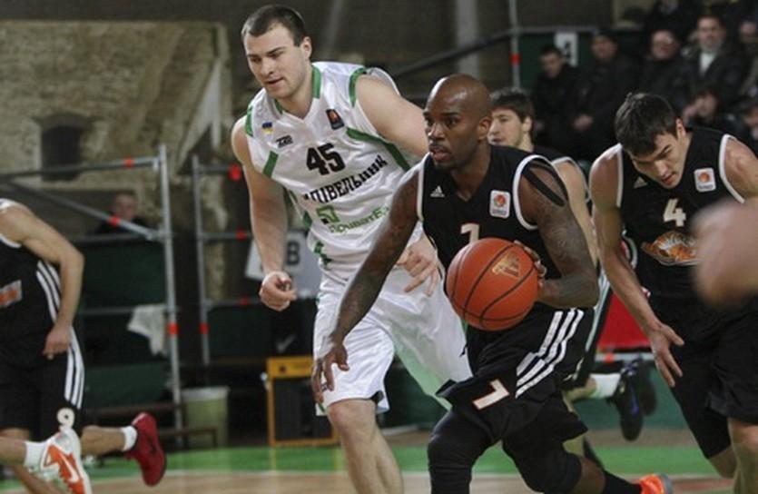 Будивельник и Донецк рвутся к первому месту, фото БК Будивельник