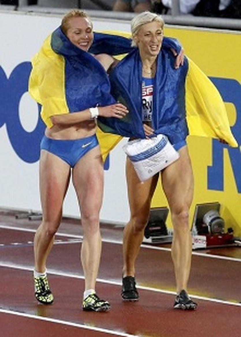 Стуй и Ремень после финиша 200-метровки. Getty Images