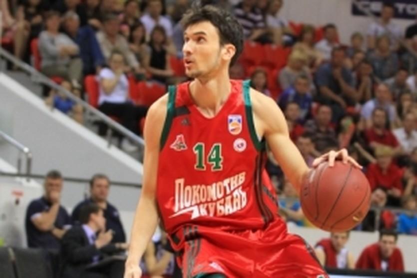 Максим Колюшкин сыграл хороший матч, lokobasket.com