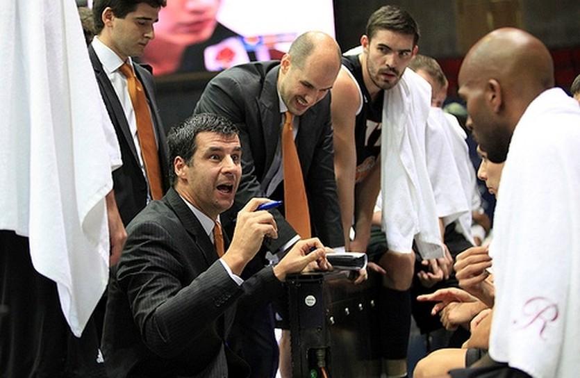 Влада Йованович и его команда не удержали победу, фото БК Днепр