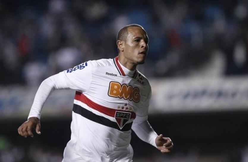 Луис Фабиано, Reuters