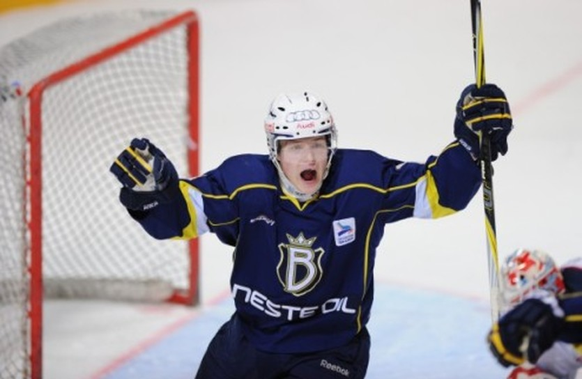 Роберт Рооба - один из лидеров молодежной команды финского Блюз, pilt.delfi.ee