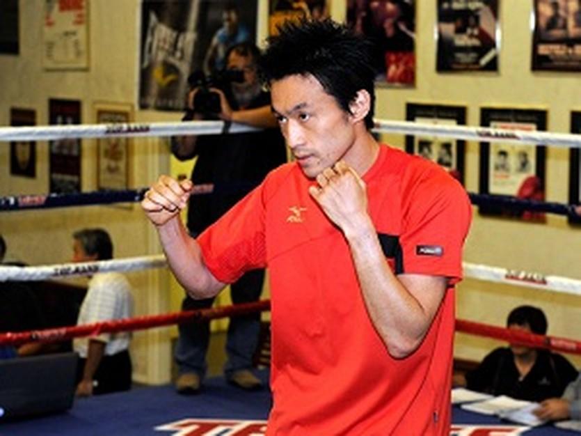 Тошиаки Нишиока, AFP