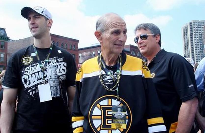 Джереми Джейкобс превратился во врага хоккеистов НХЛ, Getty images