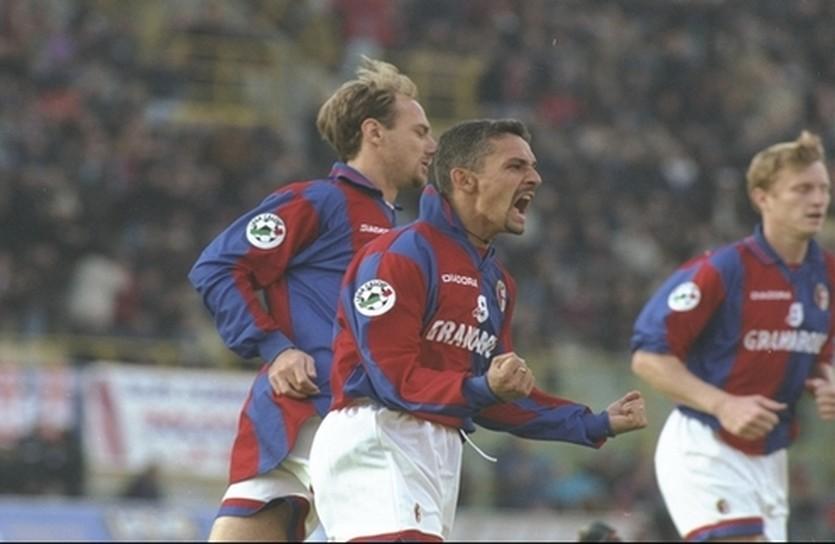 Роберто Баджо в игре за Болонью, фото Goal.com
