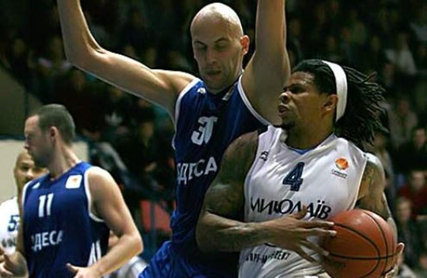 Митчелл мог принести победу МБК Николаев на последней секунде, фото Николаевские Новости
