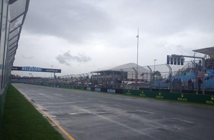 Мокрая трасса в Альберт-Парк, Lotus F1 Team