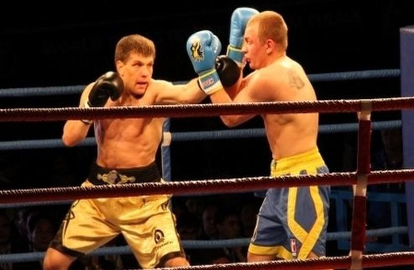 Сергей Деревянченко (слева), sports.kz