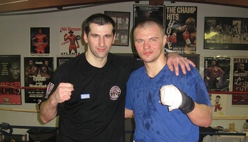 Вячеслав Глазков (справа), akboxing.ru