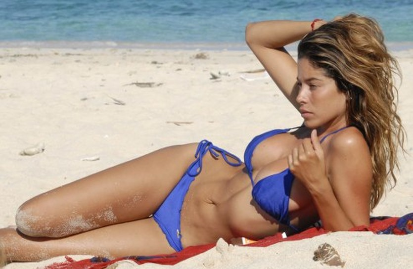 Аида Иеспика, якобы одна из многих любовниц Месута Езила, wallpaperswala.com