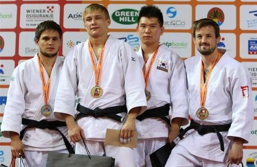 Сергей Плиев (первый слева), ippon.org