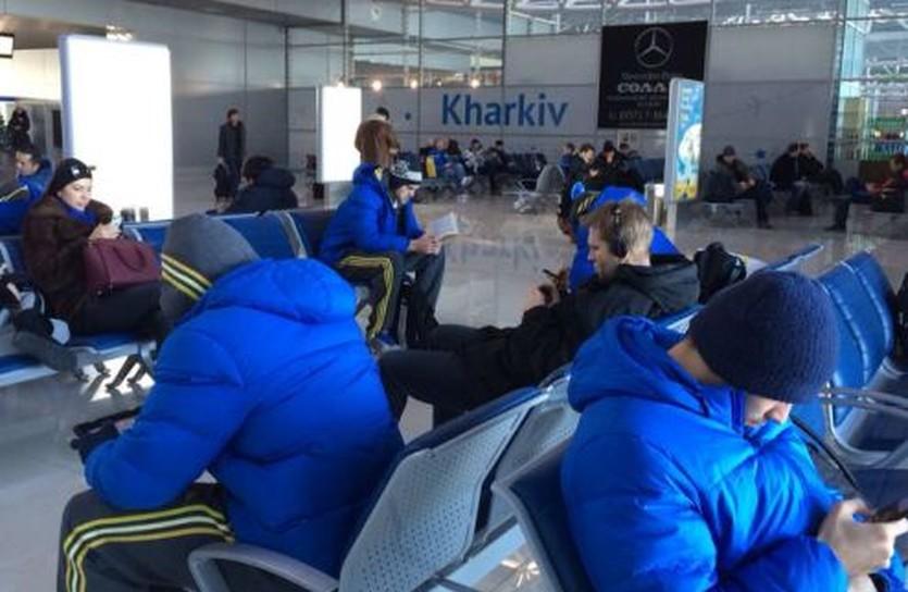 Немцы в харьковском аэропорту, фото БК Альба