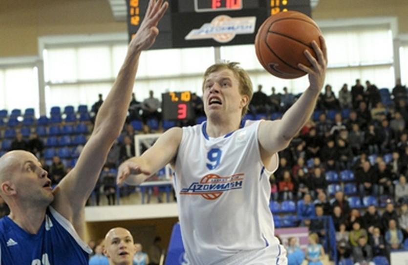 Максим Луценко будет играть в Киеве, фото БК Азовмаш