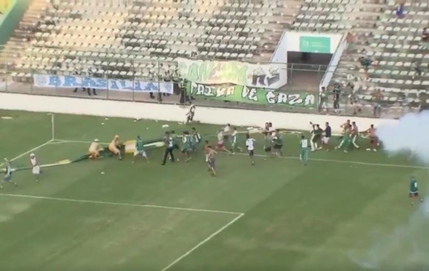 В Бразилии драка футболистов переросла в массовый дебош