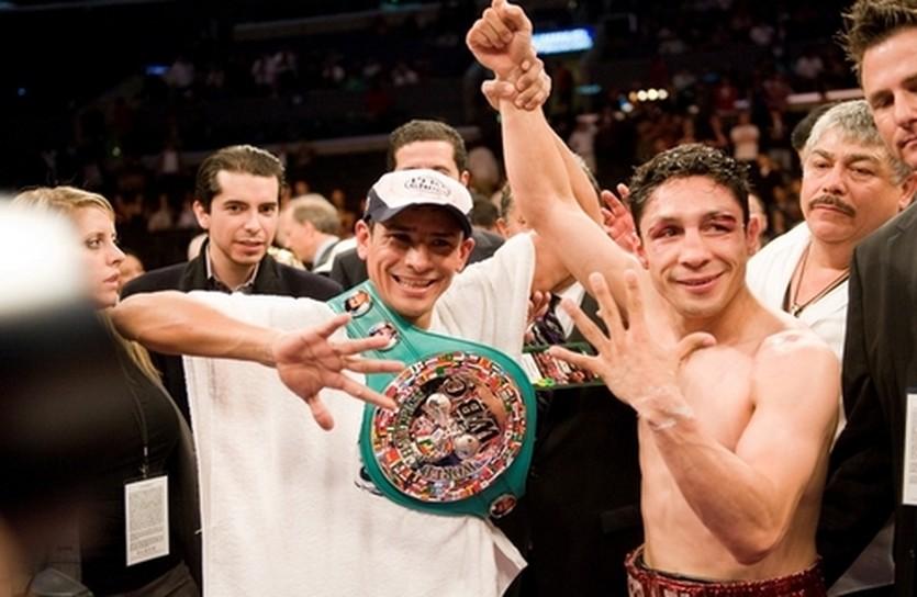 Васкез приветствует победу Маркеса, фото boxingscene.com