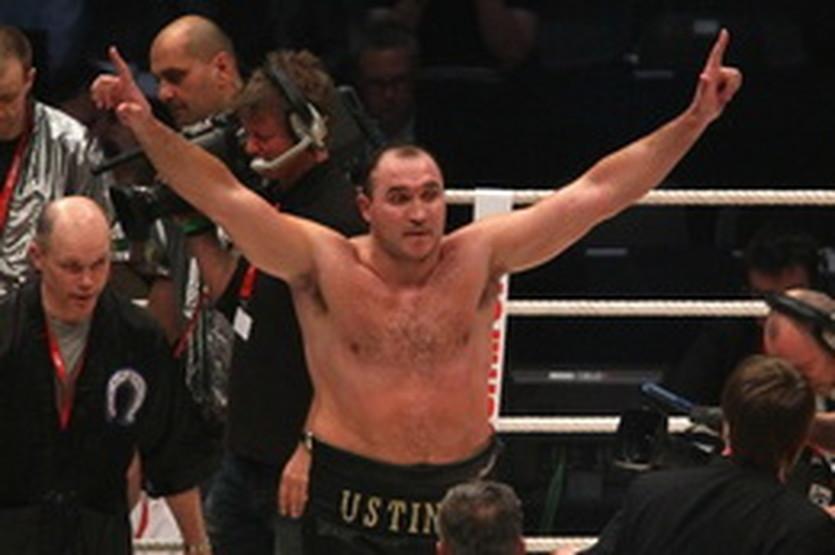 Александр Устинов, AP