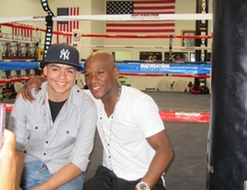 Армандо Каррал и Флойд Мейвезер, boxingscene.com