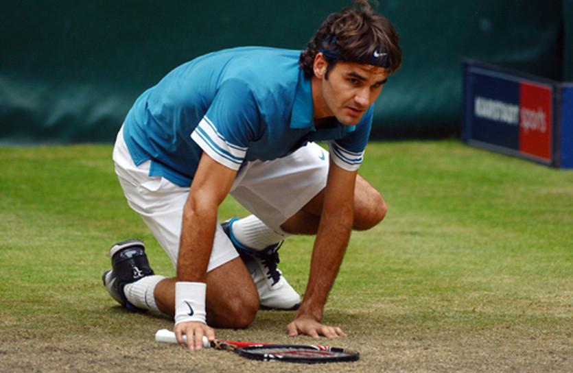 Роджер Федерер оказался на коленях, фото Getty Images