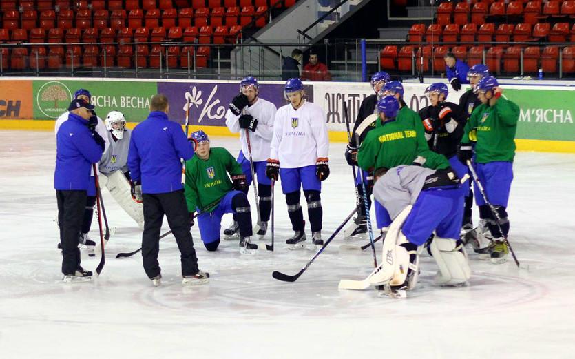 К чемпионату мира в Киеве будут готовиться 28 украинских хоккеистов