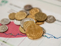 Украинцам объяснили январское снижение средней зарплаты