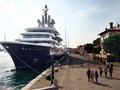 Яхта Абрамовича разозлила итальянцев