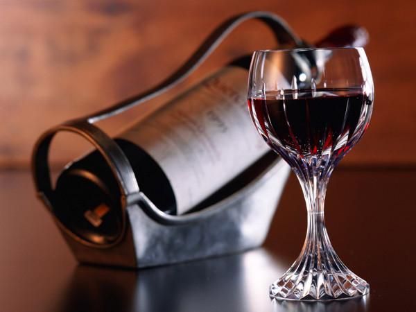 Иногда достоверный вывод о качестве вина может быть сделан лишь в результате дегустации