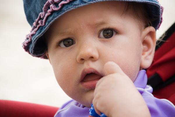 Если твой ребенок обильно потеет или потеет во сне, необходимо посетить педиатра
