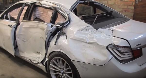 Как из груды металлолома мастера создают почти новую Tesla Model S - видео